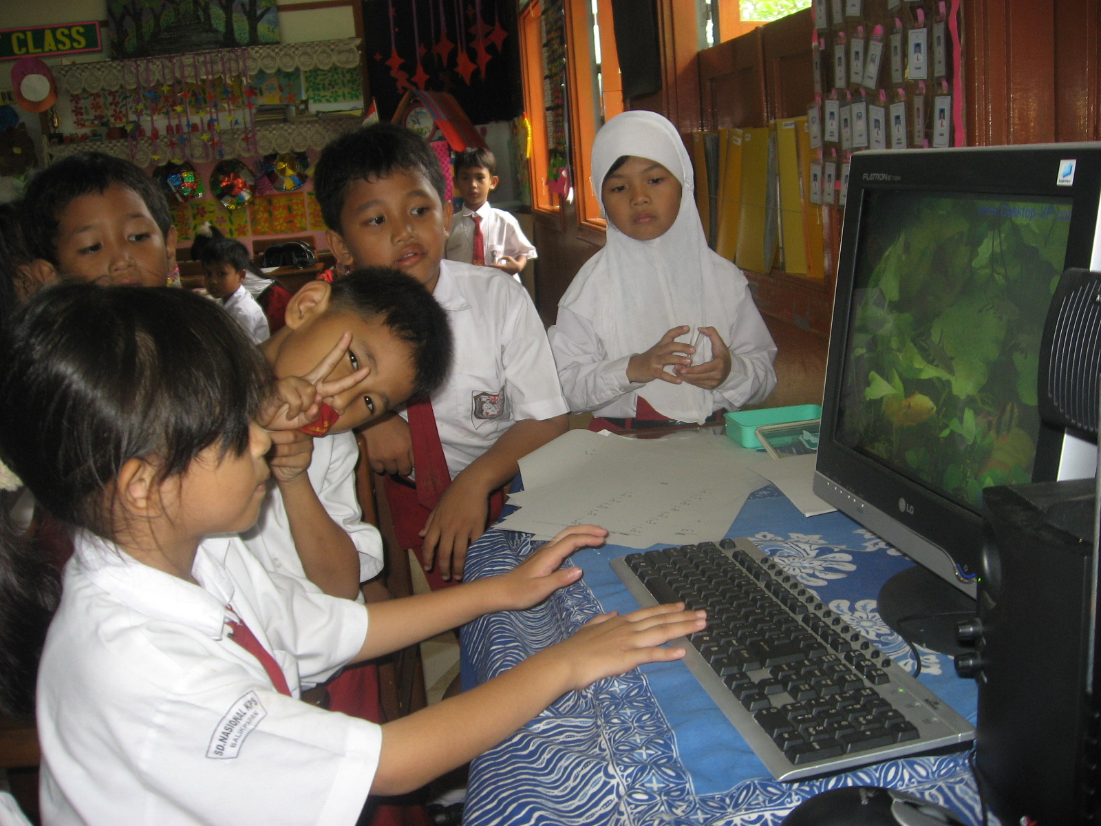 Pendidikan & Teknologi